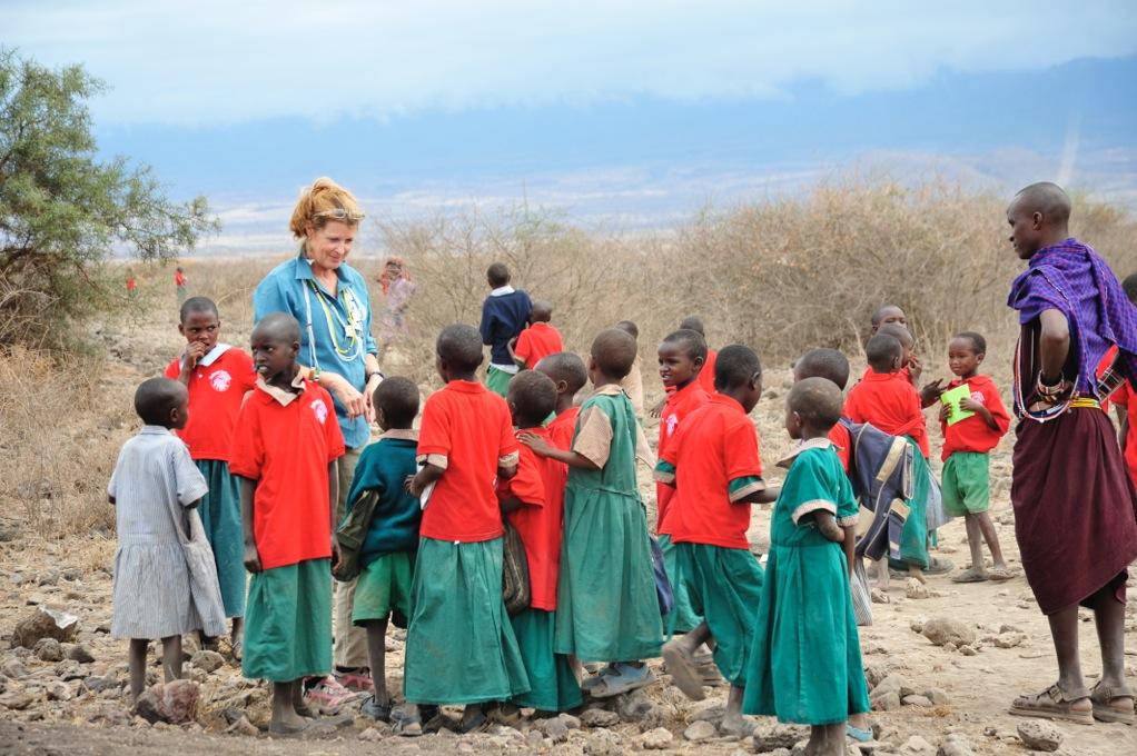 Teri with scholars at Esiteti school